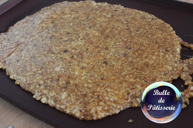 Pâtisserie : nougatine après étalement