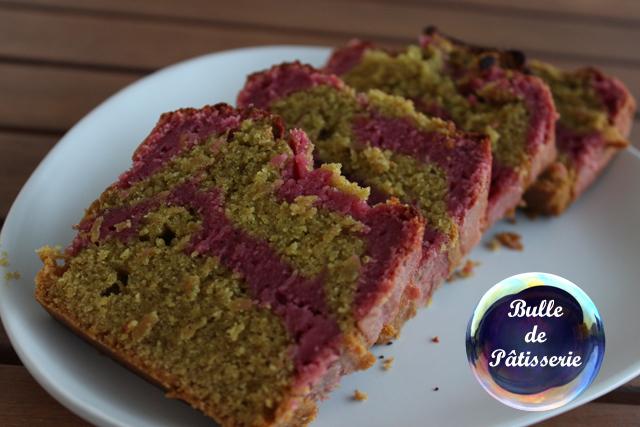 Dessert : cake marbré framboises-pistaches