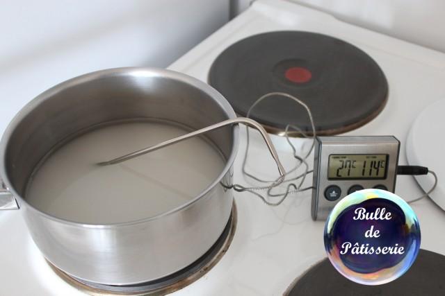 Fondant pâtissier : mettre tous les ingrédients dans la casserole