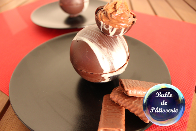 Pâtisserie : sphères chocolat-framboises