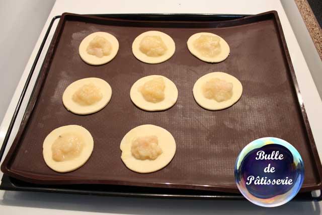 Chaussons pommes-poires : déposez la compote au centre des cercles