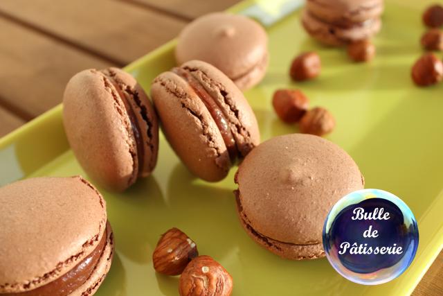 Dessert : macarons chocolat au lait-noisettes