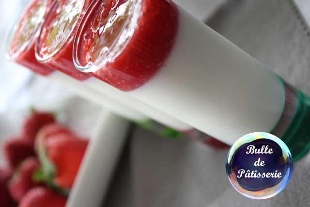 Dessert : Panna Cotta et coulis de fraises