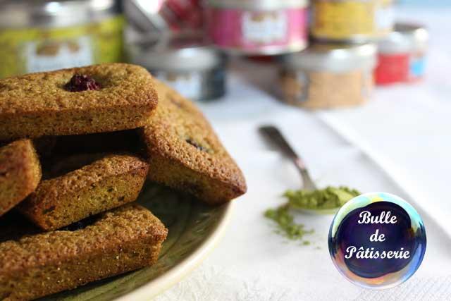 Recette de petits gâteaux : financiers mûres-thé matcha