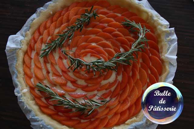 Dessert estival : la tarte abricots-romarin