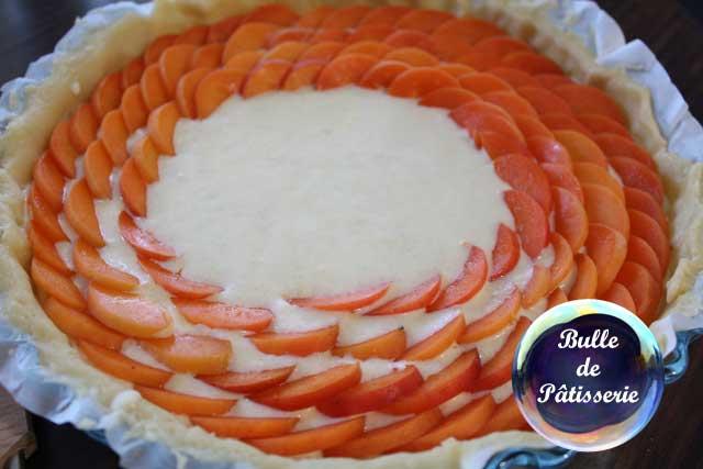 Tarte abricots-romarin : disposition des abricots façon tarte aux pommes