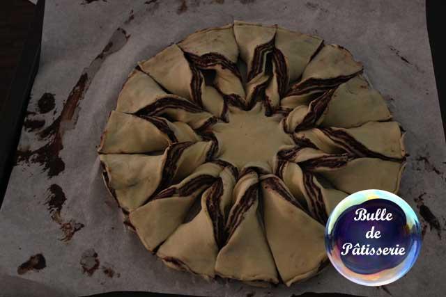 Brioche flocon de neige au chocolat torsadée avant repos