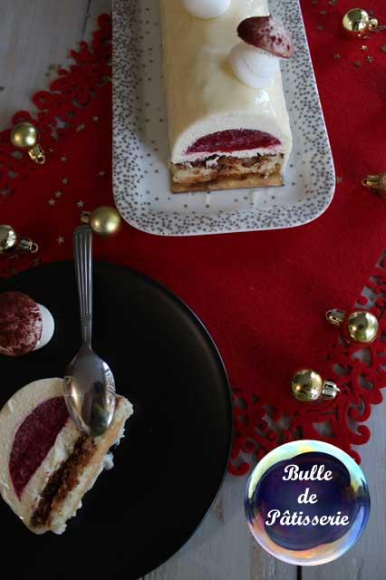 Pâtisserie : bûche de Noël framboises-chocolat blanc