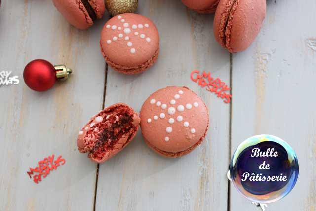 Pâtisserie de Noël : macarons chocolat noir-framboises