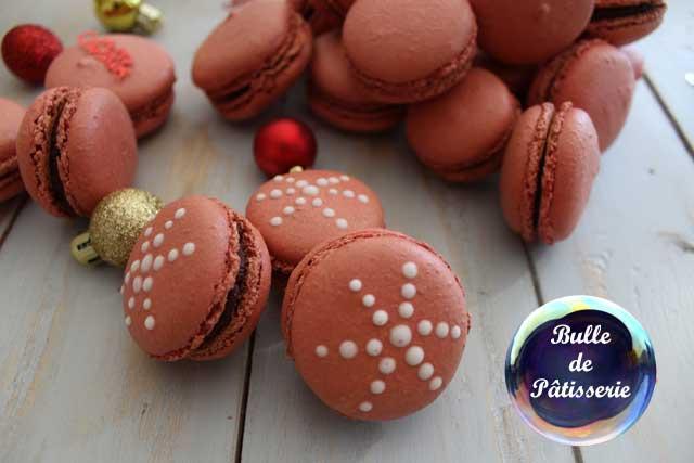 Gourmandises de Noël : macarons chocolat noir-framboises