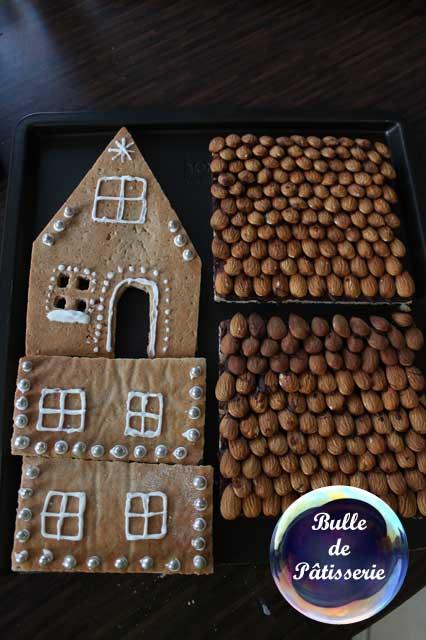 Après décoration de chaque côté de la maison en pain d'épices
