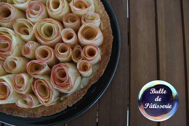 Tarte aux pommes Antarès bouquet de roses