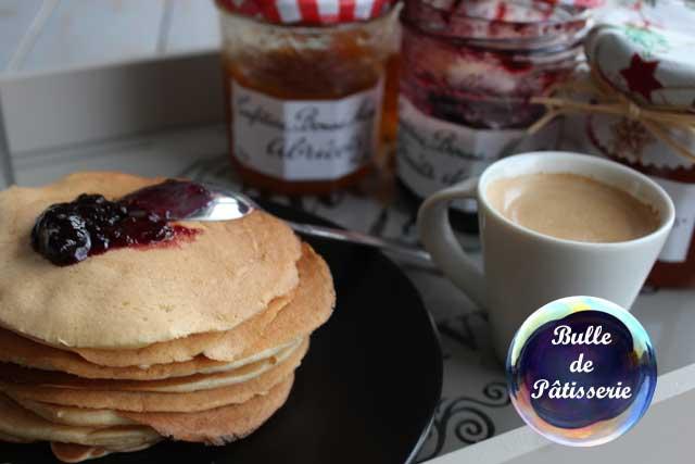 Petit-déjeuner exotique : pancakes au coco