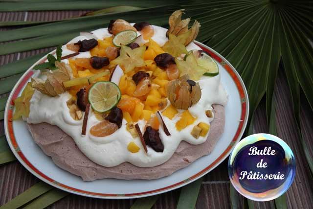 Dessert : pavlova exotique au chocolat