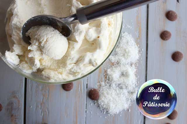 Dessert : glace maison à la noix de coco