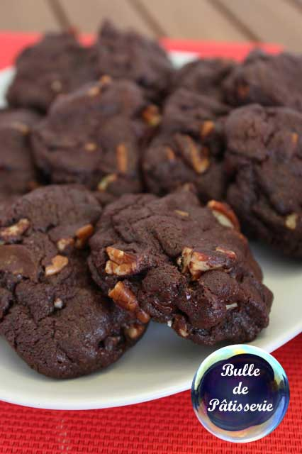 Pâtisserie : cookies tout chocolat et noix de pécan