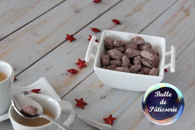 Amandes chocolatées pour accompagner le café