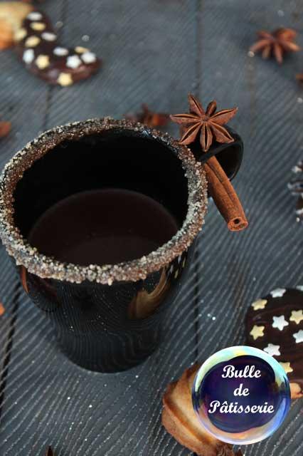 Recette de Noël : chocolat chaud aux épices