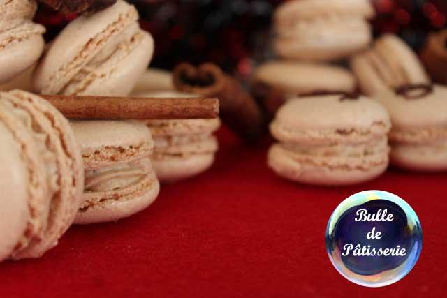 Pâtisserie de fête : macaron pain d'épices-chocolat noir