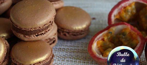 Mignardise de Fête : macarons Passion-Chocolat au lait