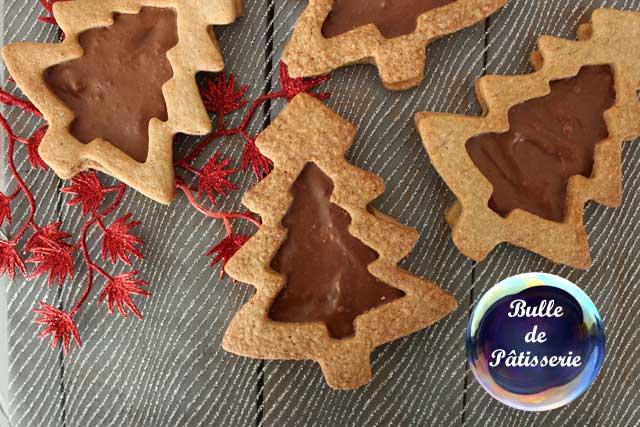 Recette de Noël : Sablés aux épices coeur Chocolat-Praliné