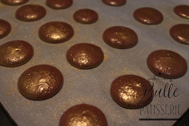 Astuces : coques de macarons dorées