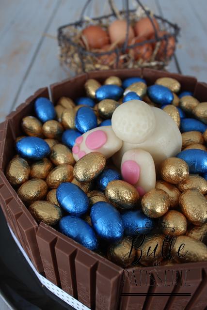 Gâteau de Pâques : génoise, chocolat blanc, myrtilles
