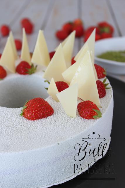 Recette de dessert : entremets Fraises-Matcha-Chocolat blanc