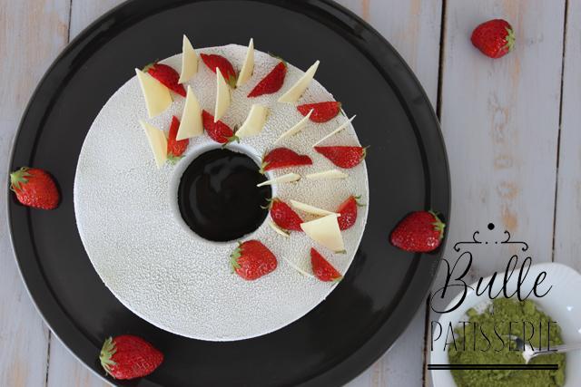 Entremets insert Fraises et bavaroise thé matcha-chocolat blanc