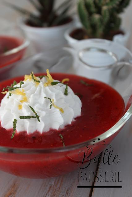 Dessert d'été facile : soupe de fraises et chantilly coco