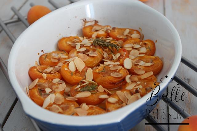 Dessert facile : abricots rôtis au four au romarin