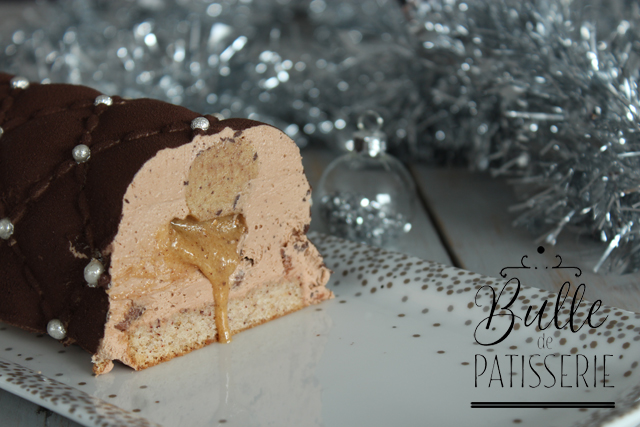 Dessert de fin d'année : bûche de Noël Chocolat-Noisettes-Praliné