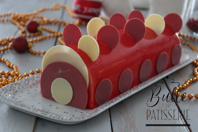 Bûche de Noël Vanille – Fruits rouges
