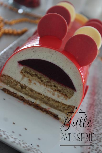 Dessert maison : bûche de Noël Vanille - Fruits Rouges