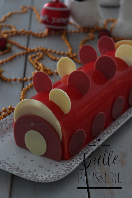 Dessert fruité : bûche de Noël Vanille - Fruits Rouges