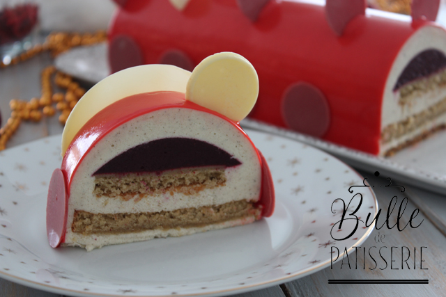Dessert de Noël : bûche Vanille - Fruits Rouges