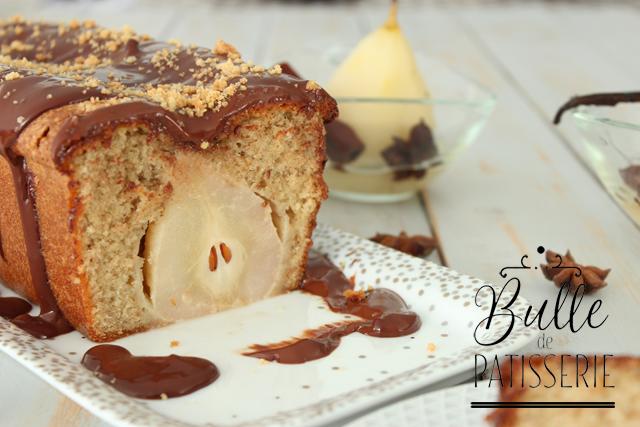 Cake aux poires entières façon pain d'épices et sa sauce au chocolat