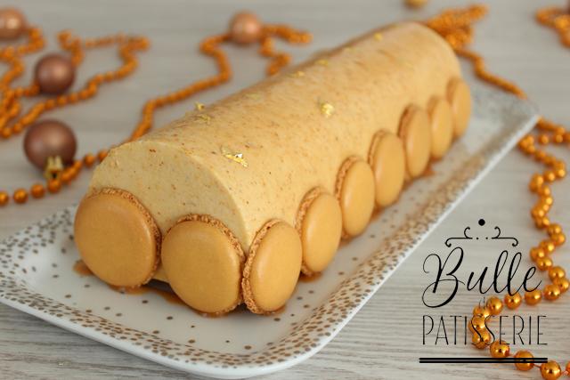 Bûche de Noël : insert citron, crème bavaroise au praliné, biscuit financier et croquant praliné