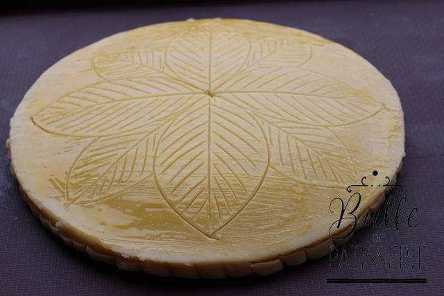 Pâtisserie : Galette des rois crème de frangipane avant cuisson