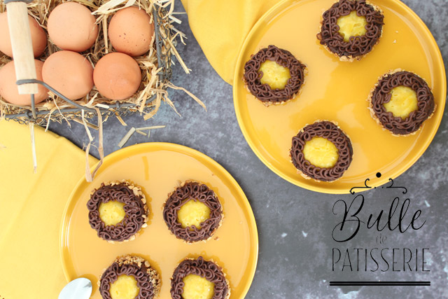 Pâtisserie de Pâques : petits biscuits chocolat-mangue façon nid de Pâques