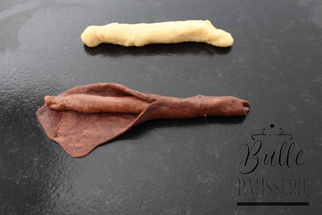 Brioche Girafe : refermez le boudin au chocolat clair dans la pâte au chocolat foncé