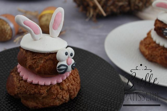 Pâtisseries pour Pâques en forme de lapins : religieuses à la fraise
