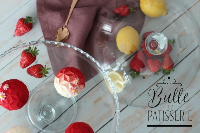 Entremets maison : mousse citron-combava, insert fraise-rhubarbe et financier zestes de combava
