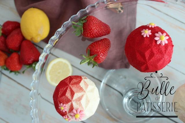 Dessert maison au citron, fraise-rhubarbe et combava