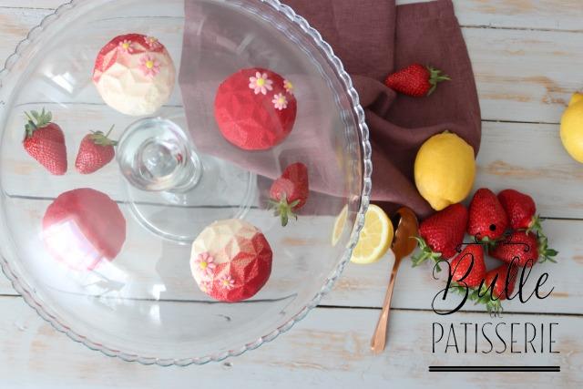 Dessert : entremets maison au citron, fraise-rhubarbe et combava