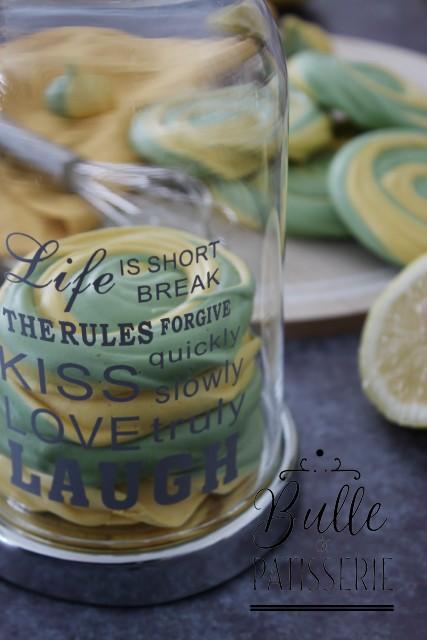 Meringues à 2 couleurs et 2 saveurs : citron-pistache