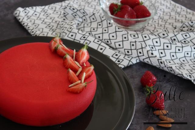 Dessert estival : entremets aux fraises et à l'amande