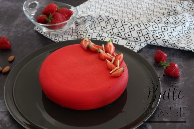 Recette d'entremets saveurs fraises et amandes