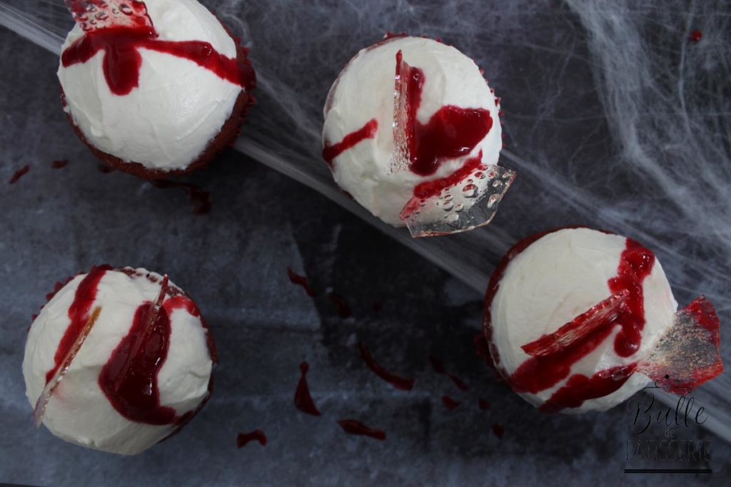 Dexter Cupcakes : red velvet cake, chantilly mascarpone, coulis de framboise