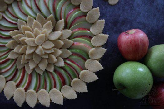 Tarte d'automne : pomme, noix et miel